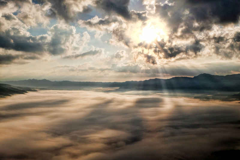 Top Tips from Influential Leaders to Help Business Succeed COVID-19 sun rays through clouds