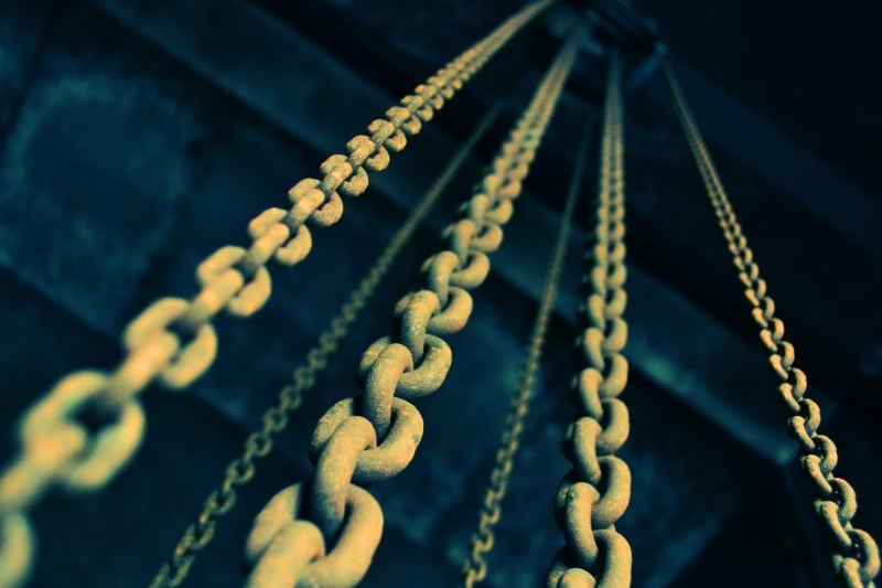 chain link fre-sonneveld unsplash